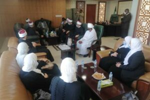 """The Sudanese Minister of Endowments praises the performance of the imams and preachers of Egypt: """"We do not allow anyone to ascend our pulpits except the scholars of Al Mahrousa."""""""